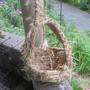 heath fair  chicken nesting basket 004