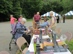 THE SPRINGFIELD WEAVERS GUILD